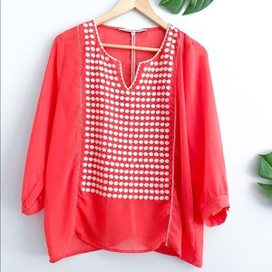 COLLECTIVE CONCEPTS Coral White Embroidered Top